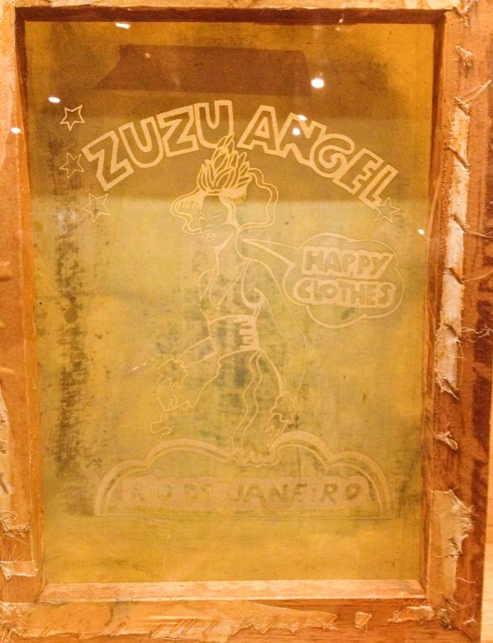 Matriz para silk em camisetas-Acervo Zuzu Angel Foto da exposição Ocupação Zuzu-Itaú Cultural SP-Março a Maio de 2014